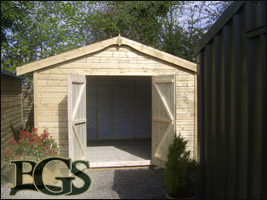 Standard garden shed 10 x 10 with open doors